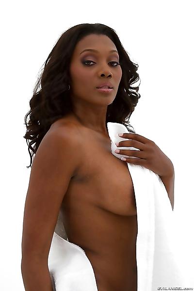 Graceful ebony babe Nyomi..