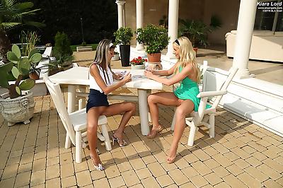 Lesbian teens Gina Gerson &..