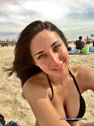 Random amateur beach babes..