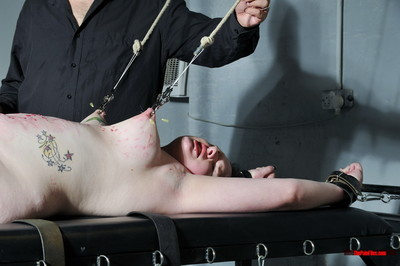 Amateur needle bdsm and..