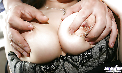 Tempting asian coed in..