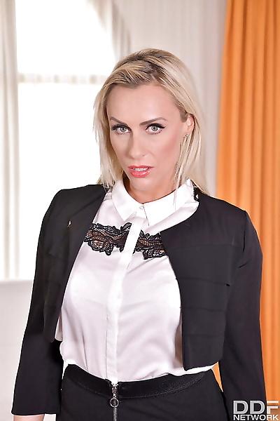 Hot blonde Brittany Bardot..