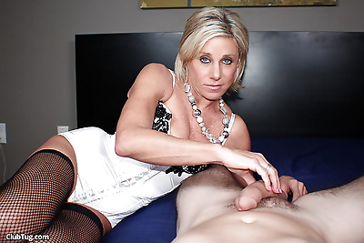 Mature gonzo actress in..